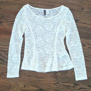 NASTY GAL TOP BY DIVIDED WHITE LACE SIZE S